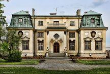 Rzeszów - Pałac Letni Lubomirskich / Pałac Letni Lubomirskich w Rzeszowie wzniesiono pod koniec XVII wieku z inicjatywy Hieronima Augustyna Lubomirskiego herbu Drużyna. Obecnie mieści się w nim Okręgowa Izba Lekarska.