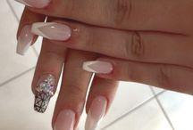 Julia's nails artwork