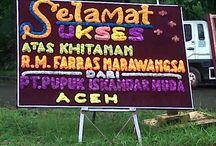 Toko Bunga Banda Aceh / Hubungi 082274298999 Jika anda ingin mengirimkan berbagai Papan Bunga ucapan ke aceh, percayakan kepada kami ahlinya. untuk detailnya silahkan kunjungi http://tokobungabandaaceh.com