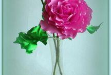 kwiaty i inne kompozycje ze wstazki