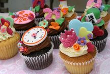 Sweet Treats  / Cakes / Cupcakes / Cake pops / Biscuits and anything else that is yummy!!  ♥