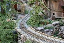 Model trains, planes, vehicles / Models