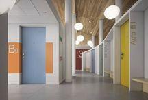 Oikos - Inbraakwerende Binnendeuren / De serie Project van Oikos is de eerste veiligheidsdeur die perfect opgenomen kunnen worden binnen het interieur. De deuren kunnen zelfs vlak gemaakt worden met de wand,  hierdoor kan een normale woonruimte omgetoverd worden tot een veilige kamer of panic room. De deuren hebben weerstandsklasse 3, akoestische isolatie tot 40db, een thermische isolatie van 1.8 en zijn 30 minuten brandvertragend.