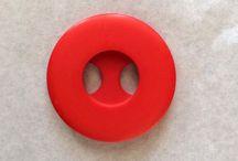 Knöpfe // buttons / Alle Arten von Knöpfen: Holzknöpfe, Metallknöpfe, vintage Knöpfe, Kunststoffknöpfe, Druckknöpfe, Lederknöpfe + Projekte mit Knöpfen