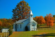 cottages, barns, churches / by Lynn Huffman