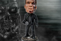 Terminator HeadKnockers / This collection includes both the Terminator 2 Endoskeleton and the Terminator 3 T3 Battle Damaged HeadKnockers.