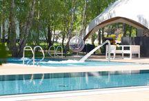 Baseny i jacuzzi w Rosevia Resort / Kompleks basenów i jacuzzi w Rosevia Resort, między Władysławowem, a Jastrzębią Górą.