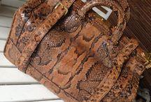 Gladstone 2 / Gorgeous #gladstone #python #bag #luisavintage