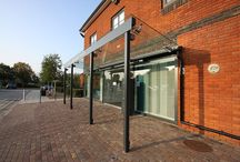 Project: Spire Roding Hospital / A new glass canopy and glazed entrance way for Spire Roding Hospital by IQ Glass