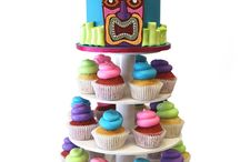 Luau & Tiki Themed Cakes / by Pink Cake Box