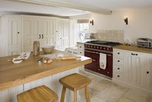 Cosy Cottage / This cosy cottage, with its low ceilings and uneven walls, needed a bright, functional kitchen that would suit a young family