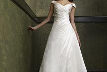 Dresses I like / by Boglarka Polgar-Farkas