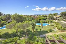 Luxury Apartment in Puerto Banús / Luxury Puerto Banús apartment is in an unbeatable location, less than 200m from the beach and walking distance from the world-famous Puerto Banús marina http://bit.ly/1AnRvkj