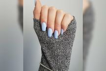 nails / love this colour