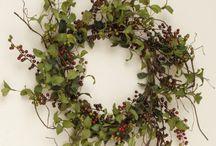 Drieds, Florals & Wreaths / by Bonnie Reid