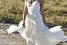 White Dresses / Girls outside shoot