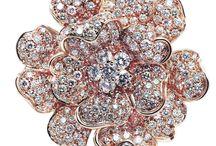 COLLEZIONE FIORE / Leo Pizzo dedicate to Every Woman a Masterpiece of Italian Jewellery.