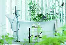 Baden / Een bad geeft je badkamer extra veel luxe! Op Badkamerwinkel.nl vind je baden in diverse soorten en maten. Of je nu opzoek bent naar een hoekbad, bubbelbad, bad accessoires of overige badtoebehoren. Tegenwoordig is een bad niet meer terug te vinden in elke badkamer omdat hiervoor niet altijd de ruimte is of deze veelal wordt vervangen voor een grote inloopdouche. Het is dus belangrijk dat je goed nadenkt over de ruimte die je hebt voor je bad en welke functie het bad in je badkamer moet hebben.