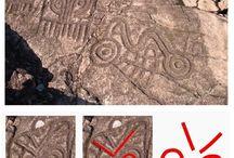 În Mexic - petroglife gravate cu simboluri identice cu cele utilizate în neoliticul Vechii Europe / Un grup de petroglife, executate în stâncă de populaţia maya, care fac parte din complexul arheologic El Cerro de la Máscara amplasat în vestul Mexicului, şi a căror vârstă este estimată între 800 şi 2500 ani, sunt identice cu simbolurile incizate pe inelul sigilar descoperit la Seimeni, şi cu grupul de simboluri incizate în partea superioară a statuetele antropomorfe aparţinând culturii de epoca bronzului Zuto Brdo - Gârla Mare: https://sites.google.com/site/seimenineoliticsipreneolitic/
