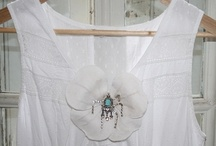 DIY Wedding Ideas // / Looking for crafty wedding projects, DIYS and tutorials. Get your craft on here.