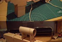 Cartró i manualitats / Manualitats reciclant cartró, de producció propia.