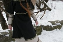 Women's Medieval Clothing