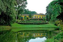 Casas, casarões, palacetes e construções antigas do Brasil / by Ligia Pimenta de Morais