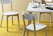 CONNUBIA - Italský výrobce nábytku / Italská firma Calligaris založila novou značku nábytku Connubia, jejíž úvodní kolekce zahrnuje, kromě již známých produktů Calligaris, také nové designy navržené předními italskými designery.