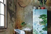 Outside the Box / Innovative use of wallpaper