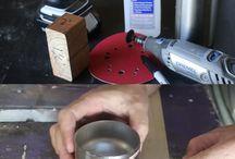 fornello ad alcool fatto con una bottiglia metallica