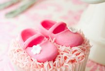 Baby Shower Cakes / by Pink Frosting
