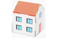 Zabawki z tektury / Edukacyjne Zabawki z tektury - Tekturowe miasta i domki. Tekturowe zabawki są oryginalne, ekologiczne, przyjazne dla dziecka. Składaj, buduj, maluj według własnej fantazji