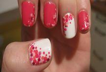Pretty Polka Dot Nail Designs