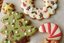 icing cookies