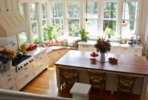 Colonial: Kitchen