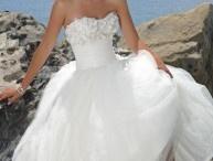Wedding ideas<3 / by Bianca Escobedo