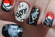 Bond Prom Nails