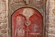doors / There are things known and things unknown...and what separates them... are doors