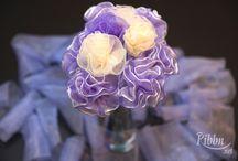 Carnation Flowers / Beautiful ribbon carnations flower making tutorial.  http://ribbn.net/carnation-flowers/