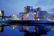 Frank Gehry Architecture  / Frank Gehry, expressionist postmodern architect.