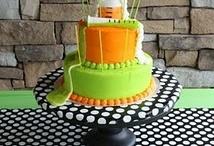 Cake & Cupcake Ideas / by Tina Guerrero