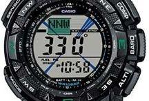 Casio Protrek / Protrek er det ulitmate verktøy for den som liker naturopplevelser. Med høydemåler, termometer, barometer, kompass, tidevannsbevegelser, automatisk lys i display bare for å nevne noen av funksjonene, vil en Casio Protrek gjøre din naturopplevelse komplett.
