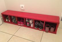 Meuble banc à chaussure / Pour ranger les chaussures des petits, le tout sur un petit banc