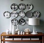 PLATES AS WALL DECORATION
