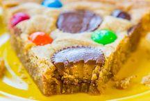 Om nom nom snacks  / Snacks that make you nom