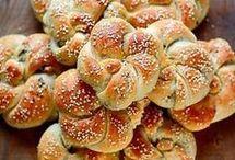 Ψωμάκια αφράτα με ελιές