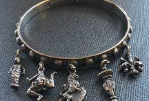 Bangle Bracelets - Vintage Charms & Bracelets / Vintage Bangle Bracelets, Bangles, Bangle Bracelets with Charms