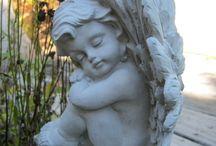 Статуи и статуэтки