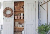 Farmhouse Style Decorating Ideas / Sharing your farmhouse decorating ideas with others to transform your room into a new look.