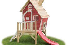 Casutele din poveste / Cand vine vara si distractia se muta afara, casutele din lemn mesterite cu grija pentru copii sunt atractia principala! Haideti sa aruncam o privire in casutele din poveste! :)
